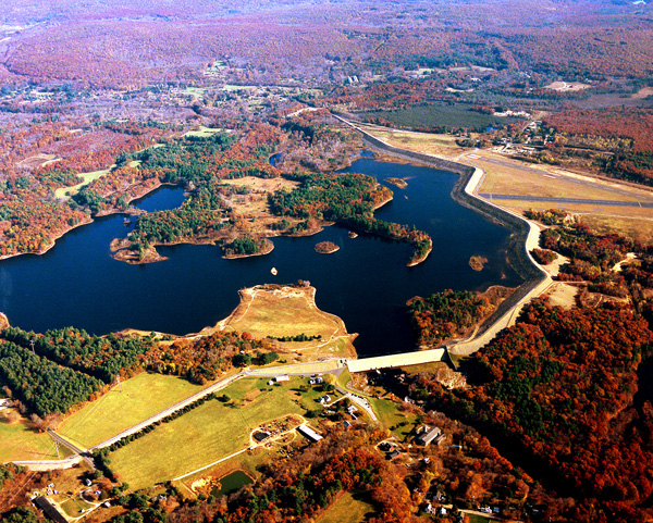 Click for hi-resolution photo of Mansfield Hollow Dam
