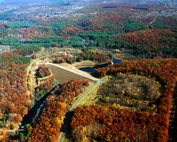 Click for hi-resolution photo of Conant Brook Dam