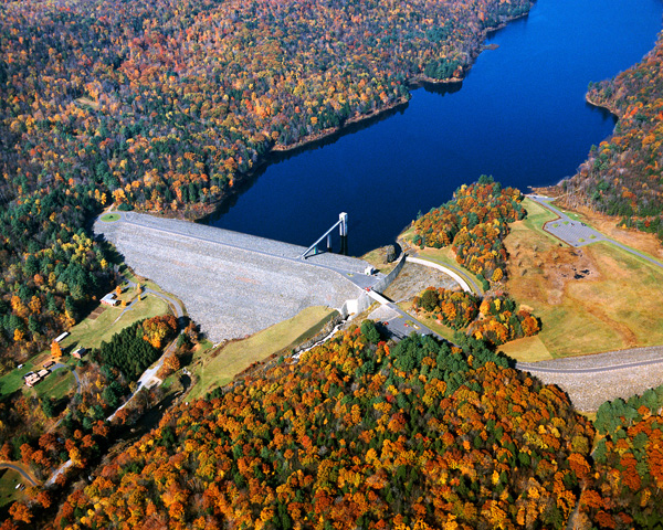 Click for hi-resolution photo of Littleville Lake dam