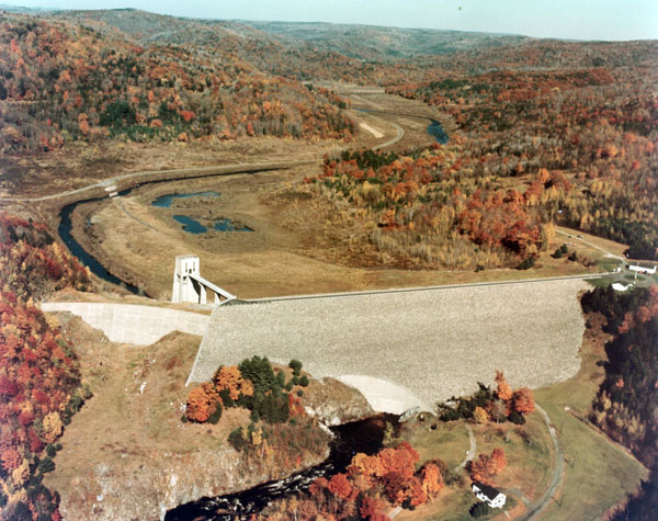Click for hi-resolution photo of Knightville Dam